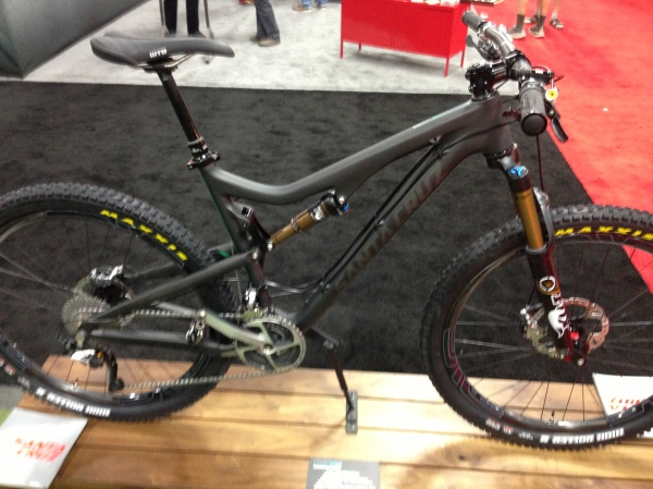 The Santa Cruz 5010 Carbon. 650b is here.
