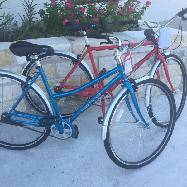 Perhaps the perfect bike to head to your favorite festival on. The Fairdale Daybird.